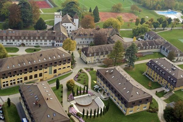 Blog-Imagen-Caracteristicas-mejores-escuelas-privadas-Institute-Le-Rosey-Colegio-Real-Abr20